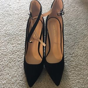 NEW Black stiletto shoe
